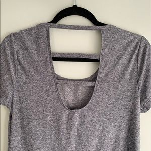 heather gray open back athletic t-shirt size small